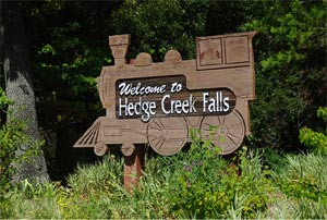 Hedge Creek Falls trailhead sign